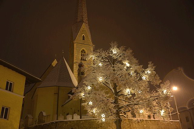 Church of Schalnder in winter